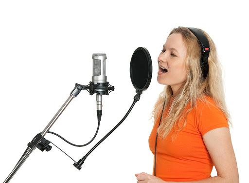 Calentar la voz. Ejercicios y consejos para calentamiento vocal.