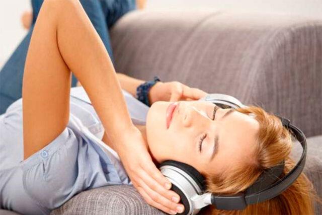 Excitación por la voz. La melolagnia es una parafilia sexual por música y voz.