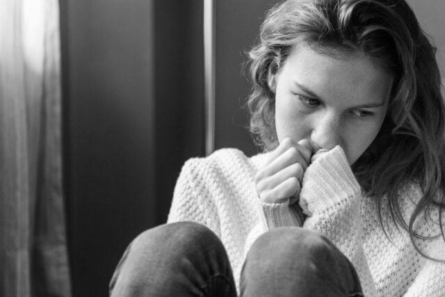 Menopausia y voz. Por qué cambia la voz durante la menstruación. Importancia de las hormonas y la voz.