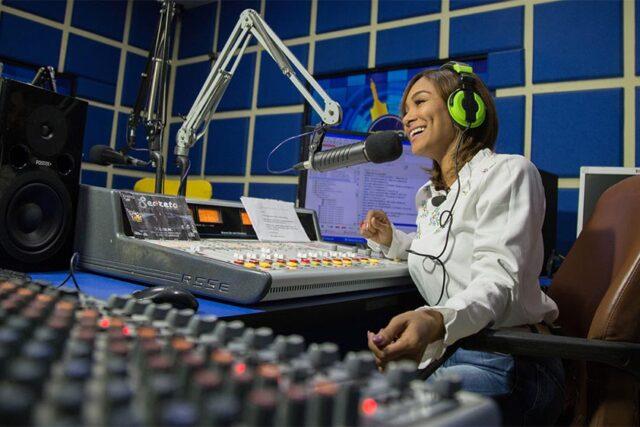 Pruebas de Voz para la Radio. Si buscas Ofertas de trabajo en emisoras de radio y quieres preparar tu voz.