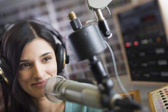 ¿Cómo hablar en la radio? Trucos y consejos para hablar bien en radio.