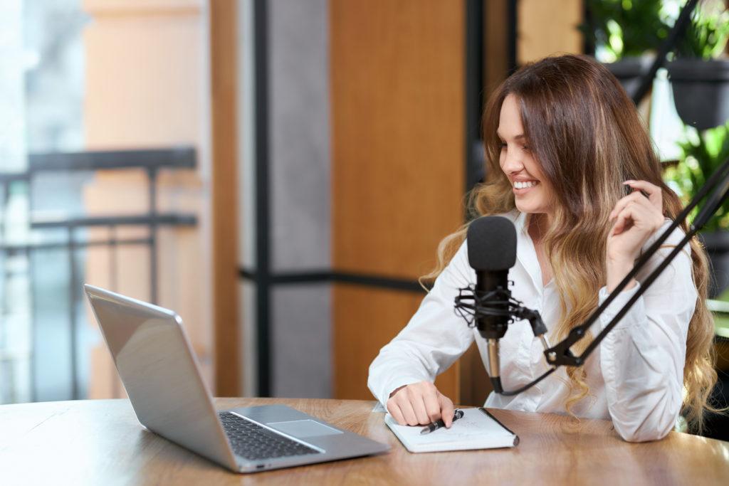 Entrenando la voz en línea con el Vocal Coach