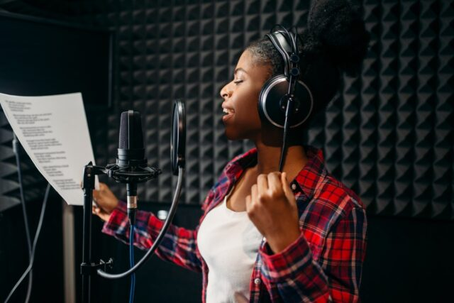Actuar con la voz. Cómo aprender a actuar con la voz