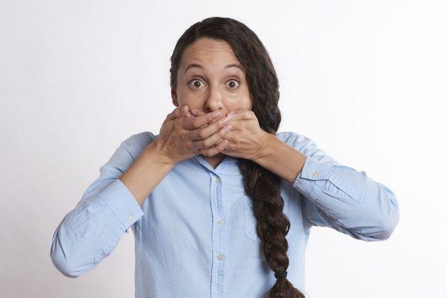 No se me entiende al hablar. ¿puede ser disartria o es que me pongo nervioso y me trabo al hablar?